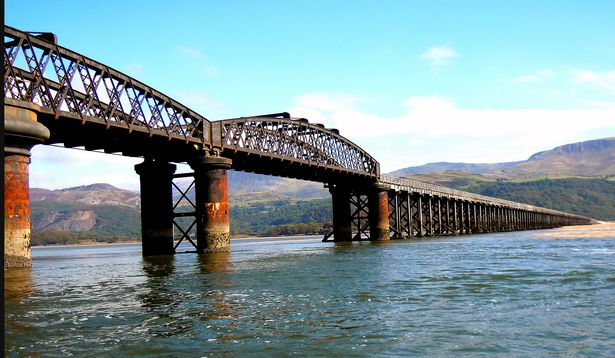 Barmouth bridge_Wales online